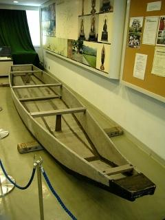 保津川木造船